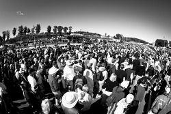 Une foule nombreuse sur la grille de départ