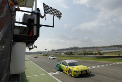 Martin Tomczyk, Audi Sport Team Phoenix, takes third place to win the championship