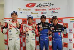 GT500 pole winners Hiroaki Ishiura, Takuto Iguchi and GT300 pole winners Tetsuya Yamano, Kota Sasaki