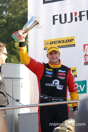 Independent Winnaar Mat Jackson, Airwaves Racing