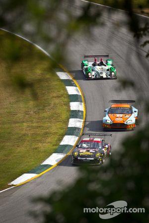 Alex Job Racing Porsche 911 GT3 Cup : Bill Sweedler, Leh Keen, Brian Wong; Gulf AMR Middle East Ast