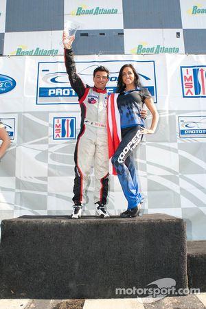 Ricardo Vera met trofee