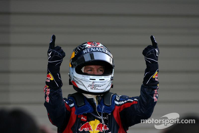 Sebastian Vettel, campeón del mundo de F1 2011, celebra su título