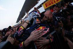 Sebastian Vettel, Red Bull Racing nuevo campeón del mundo