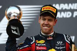 Podio: Nuevo campeón del mundo en tercer lugar Sebastian Vettel, Red Bull Racing