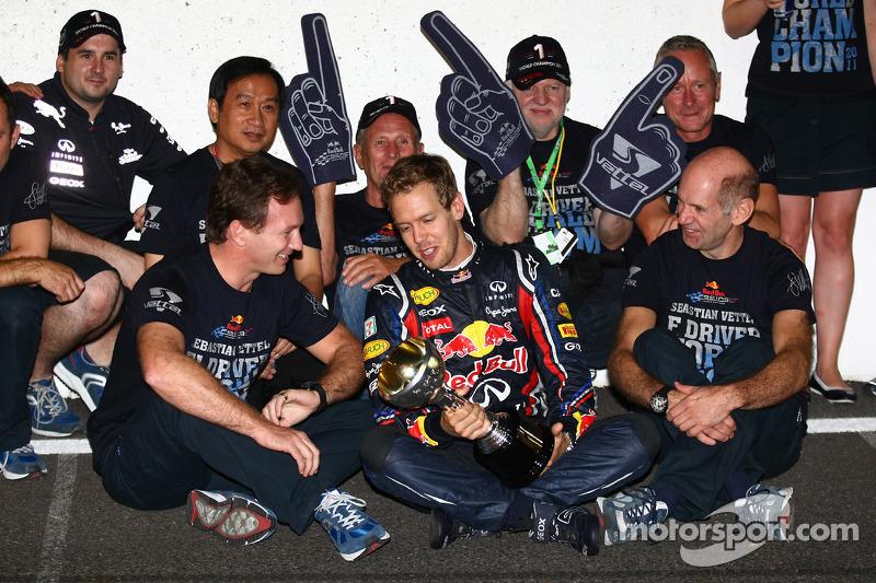 Sebastian Vettel, Red Bull Racing new world champion celebrates with the team, Christian Horner, Red
