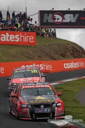 Toll Holden Racing Team : Garth Tander, Nick Percat; Team Vodafone : Craig Lowndes, Mark Skaife