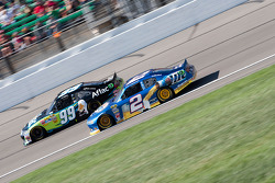 Brad Keselowski, Penske Racing Dodge et Carl Edwards, Roush Fenway Racing Ford