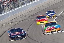 Kasey Kahne, Red Bull Racing Team Toyota and Kyle Busch, Joe Gibbs Racing Toyota