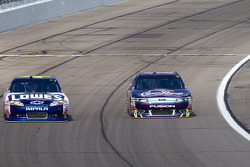 Jimmie Johnson, Hendrick Motorsports Chevrolet et Matt Kenseth, Roush Fenway Racing Ford