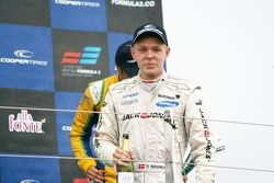 Podium: Kevin Magnussen