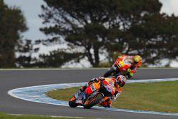 Casey Stoner, Repsol Honda Team; Valentino Rossi, Ducati Team