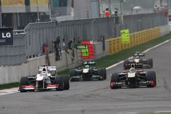 Kamui Kobayashi, Sauber F1 Team en Bruno Senna, Lotus Renault GP