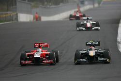 Timo Glock, Virgin Racing ve Jarno Trulli, Team Lotus