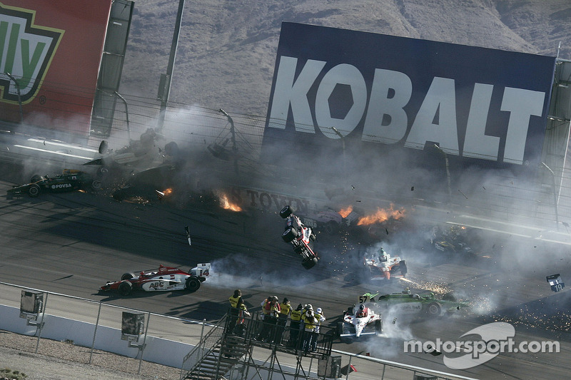 Las Vegas 2011 : accident mortel de Dan Wheldon