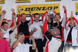 Honda Racing collects the Team's Championship
