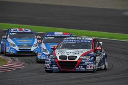 Robert Huff, Chevrolet Cruze 1.6T, Chevrolet, Yvan Muller, Chevrolet Cruz 1.6T, Chevrolet and Tom Coronel, BMW 320 TC, ROAL Motorsport