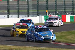 Robert Huff, Chevrolet Cruze 1.6T, Chevrolet leads Michel Nykjer, SUNRED SR Leon 1.6T, SUNRED Engine