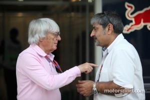 Bernie Ecclestone with father of Karun Chandhok