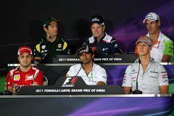 Felipe Massa, Scuderia Ferrari, Jarno Trulli, Team Lotus, Narain Karthikeyan, Hispania Racing F1 Tea