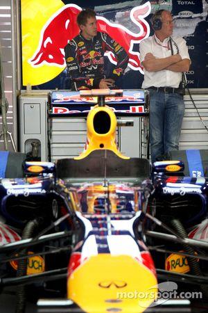 Sebastian Vettel, Red Bull Racing, Helmut Marko, Red Bull Racing