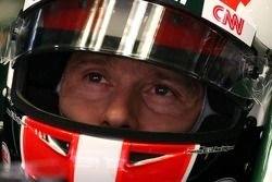 Jarno Trulli, Team Lotus indossa un casco replica di quello di Marco Simoncelli