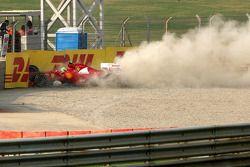 Felipe Massa, Scuderia Ferrari crashes out