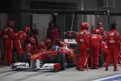 Fernando Alonso, Scuderia Ferrari pit stop