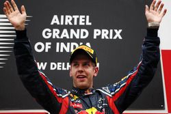 Podio: Sebastian Vettel, Red Bull Racing