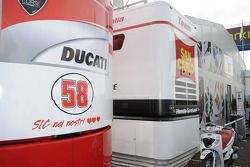 A tribute to Marco Simoncelli on the Ducati truck