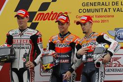 Podio: ganador de la carrera Casey Stoner, segundo lugar Ben Spies, tercer lugar Andrea Dovizioso