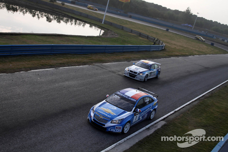 Yvan Muller, Chevrolet Cruz 1.6T, Chevrolet en Javier Villa, BMW 320 TC, Proteam Racing