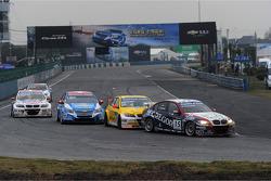 Tom Coronel, BMW 320 TC, ROAL Motorsport voor Colin Turkington, BMW 320 TC, Aviva-Cofco Wiechers-Spo
