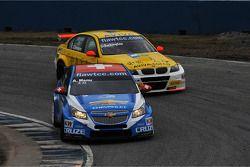 Alain Menu, Chevrolet Cruze 1.6T, Chevrolet and Colin Turkington, BMW 320 TC, Aviva-Cofco Wiechers-Sport