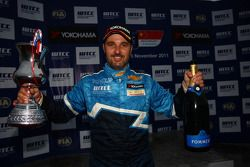 Yvan Muller, Chevrolet Cruz 1.6T, Chevrolet winnaar