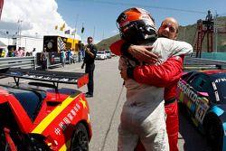 Francesco Pastorelli en Yelmer Buurman vieren overwinning