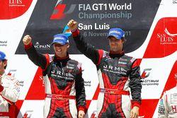 Podium: kampioenen Michael Krumm en Lucas Luhr