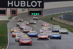 Finale Mondiale Trofeo Pirelli race start