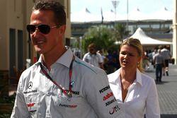 Michael Schumacher, Mercedes GP y su esposa Corina