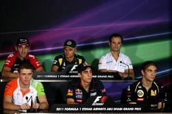 Тимо Глок, Virgin Racing, Хейкки Ковалайнен, Team Lotus, Витантонио Льюцци, HRT F1 Team, Пол ди Рест