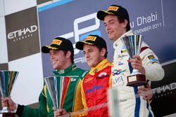 Podium: winnaar Fabio Leimer, 2de Luiz Razia, 3de Jolyon Palmer