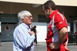 Director de General de Ferrari Stefano Domenicali con Bernie Ecclestone