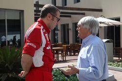 Stefano Domenicali Ferrari Direktörüü ve Bernie Ecclestone