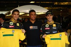 Vitaly Petrov, Lotus Renault GP ve Ronaldo ve Bruno Senna, Lotus Renault GP