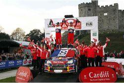 Себастьен Лёб и Даниэль Элена, Citroën DS3 WRC, Citroën Total World Rally Team празднуют 8 титул в чемпионате WRC