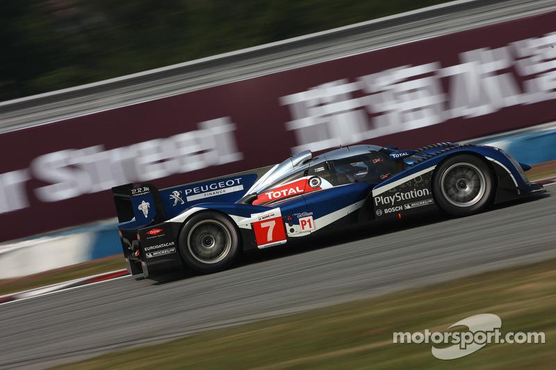 2011 - Team Peugeot Total #9