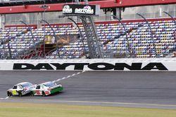 Jimmie Johnson en Dale Earnhardt Jr., Hendricks Motorsports Chevrolet