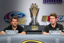 Championship contenders press conference: NASCAR Spint Cup Series contenders Tony Stewart and Carl E