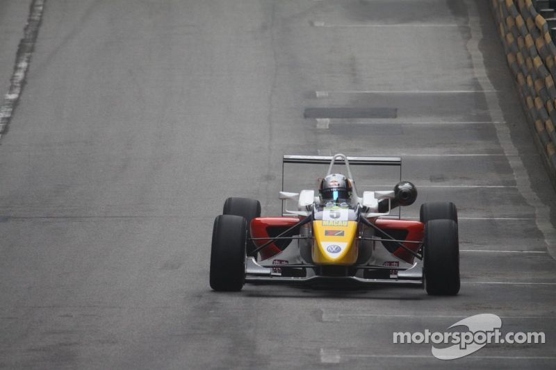 2011: Dallara F312 (GP di Macao, F3 Euro Series)