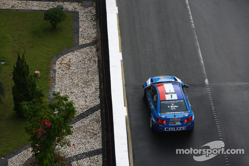 Yvan Muller, Chevrolet Cruz 1.6T, Chevrolet en Ray Mallock, CEO RML
